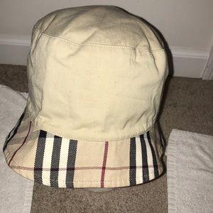 Burberry London Bucket Hat